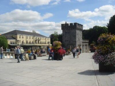 Plaza del Canal Kilkenny Irlanda