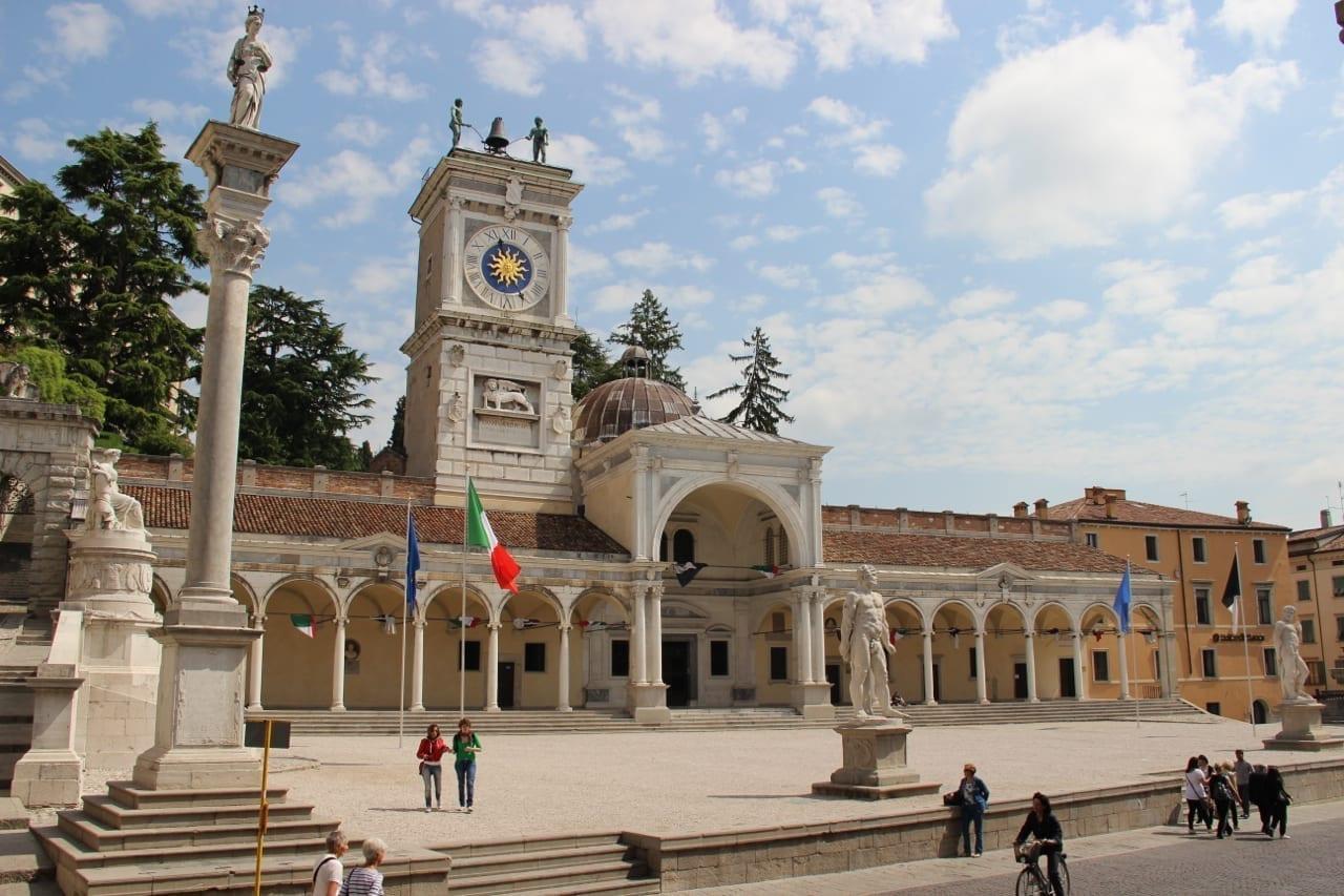 Plaza Liberta Udine Italia