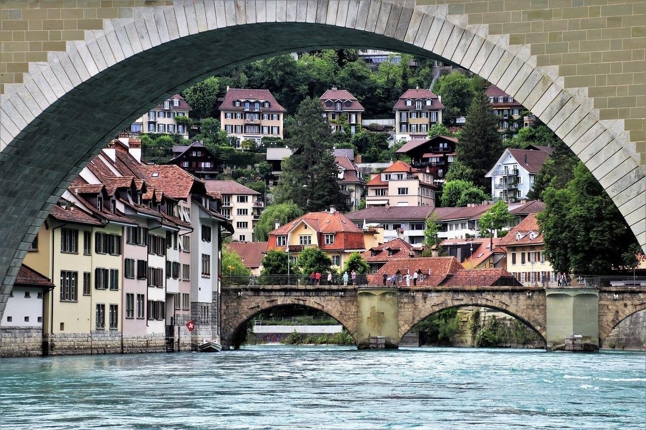 Puente Río Berna Suiza