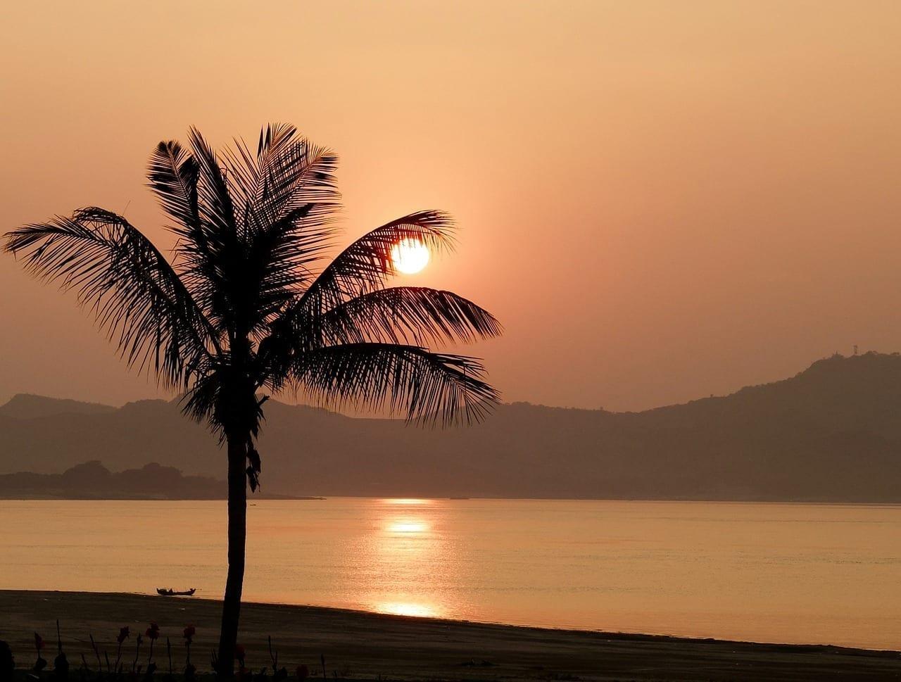 Puesta De Sol Bagan Myanmar Myanmar