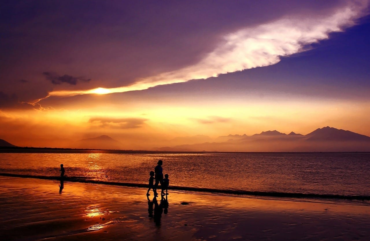 Puesta De Sol Sundown Bahía De Da Nang Vietnam