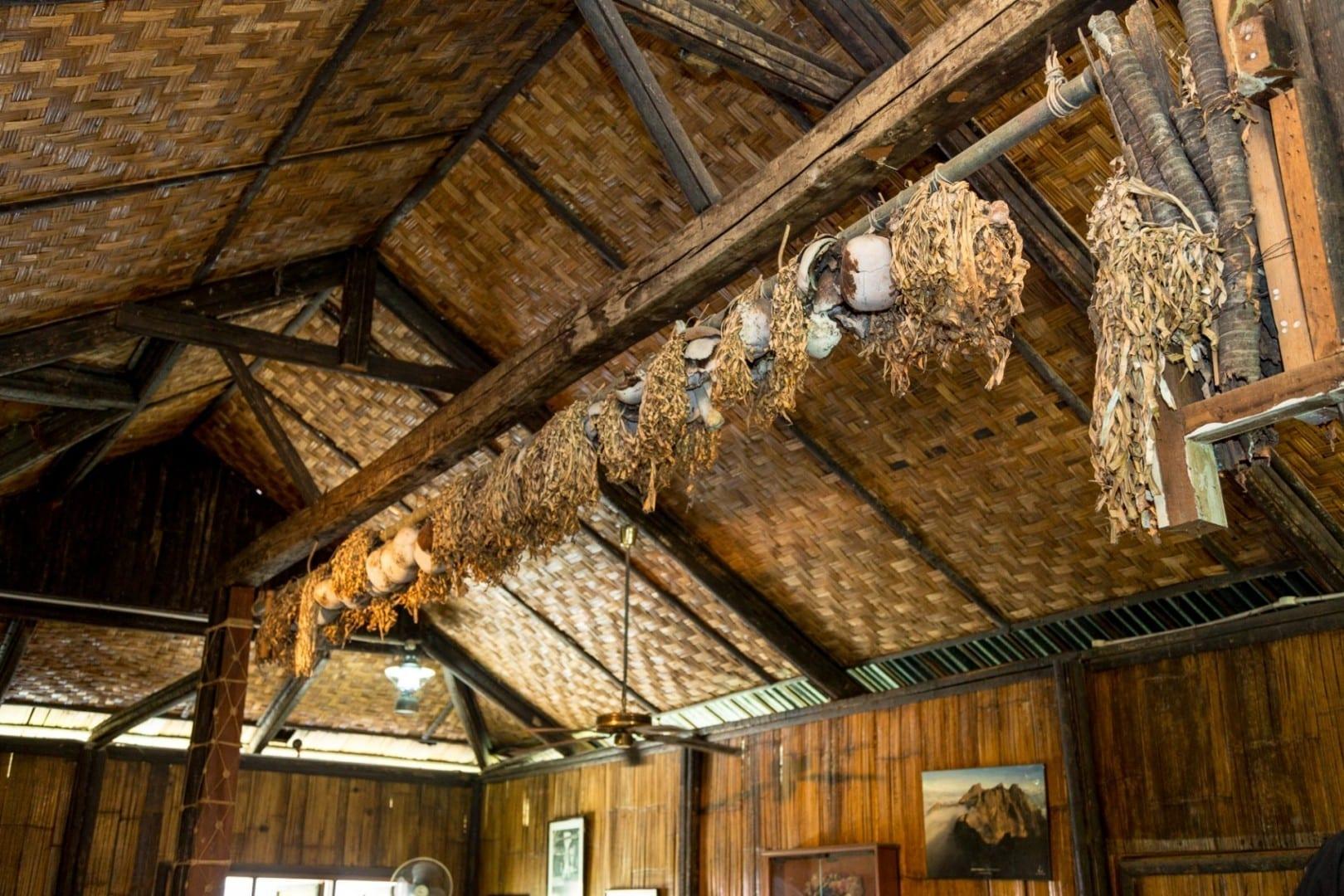 Salón de las Calaveras en la Villa Cultural de Monsopiad Kota Kinabalu Malasia