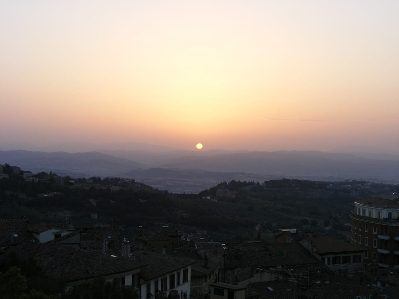 Salida Del Sol Perugia Sol Italia