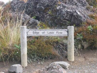 Señal de la línea de lava Tongariro Nueva Zelanda