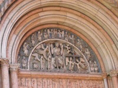 Tímpano del Baptisterio Parma Italia