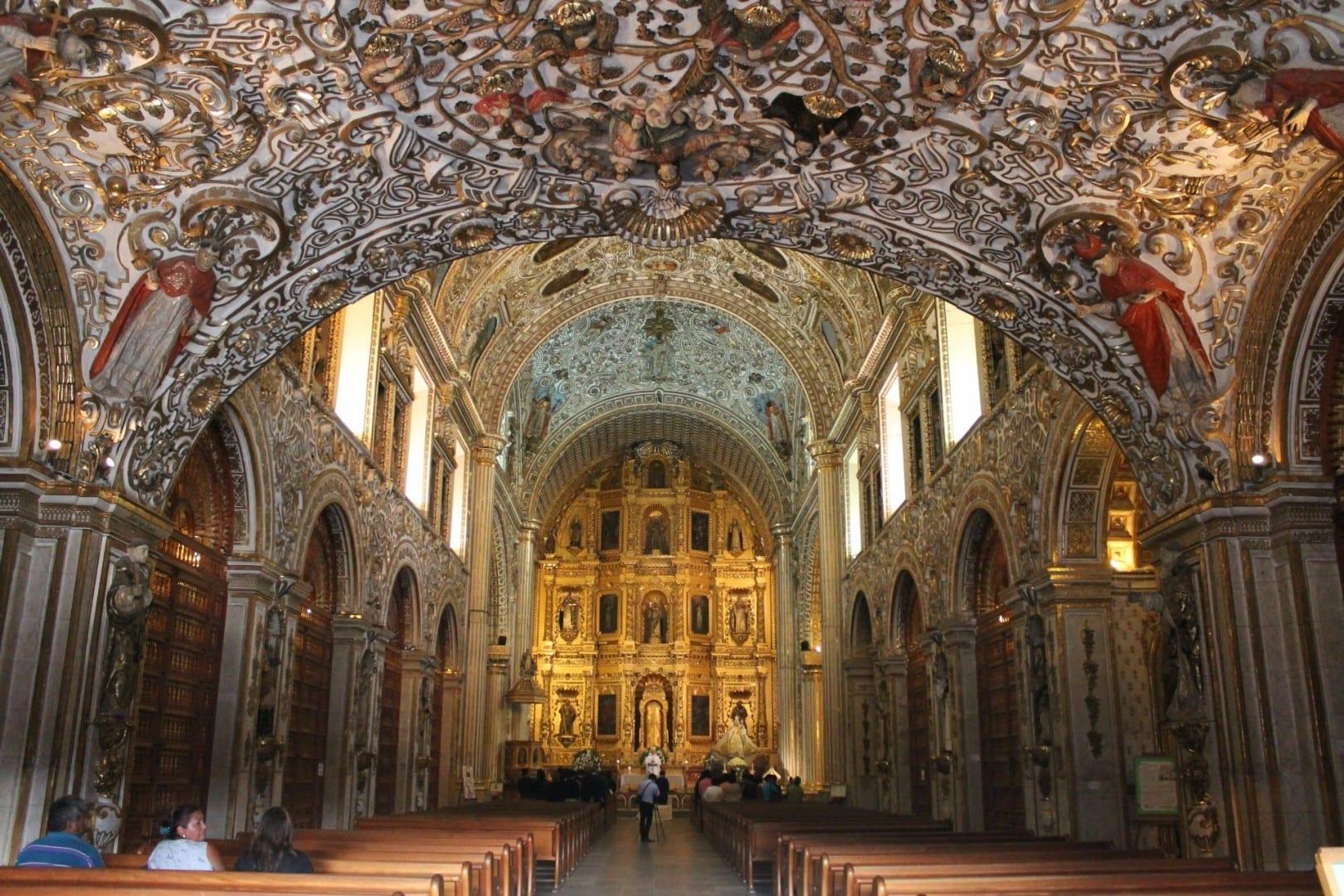 Templo del interior de Santo Domingo Oaxaca México
