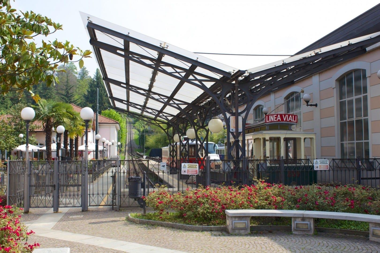 Tranvía Sassi-Superga, estación Sassi Turín Italia