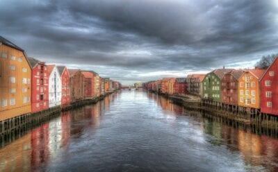 Trondheim Noruega Río Noruega