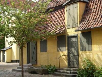 Un ejemplo de los muchos edificios de los siglos XV y XVI en Odense Odense Dinamarca