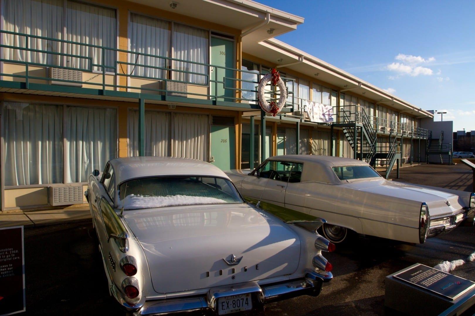 Una corona que marca el lugar donde Martin Luther King Jr. fue asesinado, el Motel Lorraine, el Museo Nacional de Derechos Civiles Memphis (Tennessee) Estados Unidos