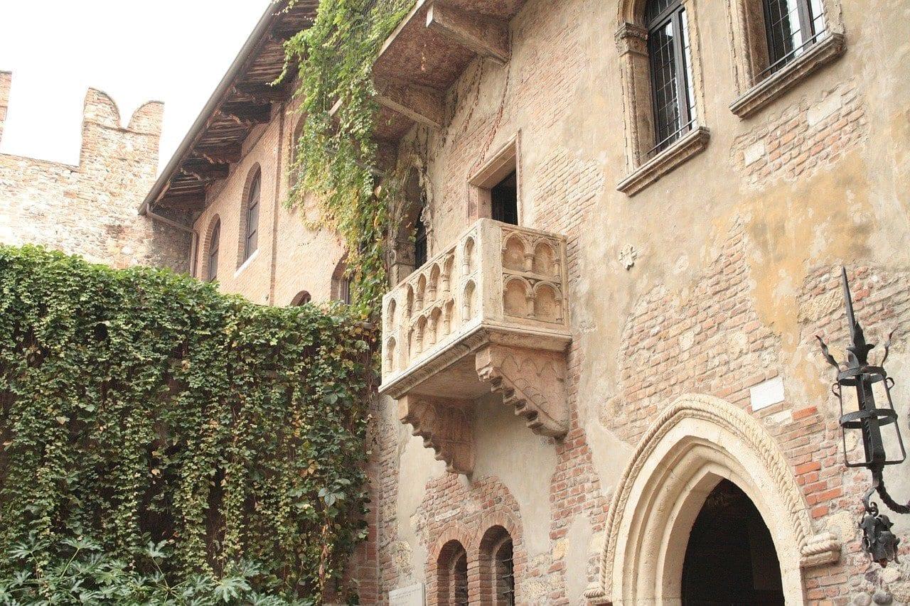 Verona Balcón Romeo Italia