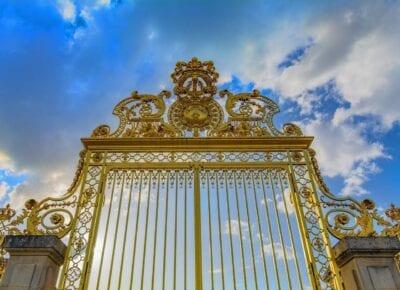 Versalles Puerta Corona Francia