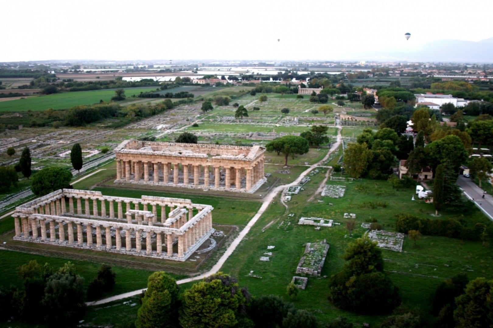 Vista aérea de Paestum mirando al noroeste Paestum Italia