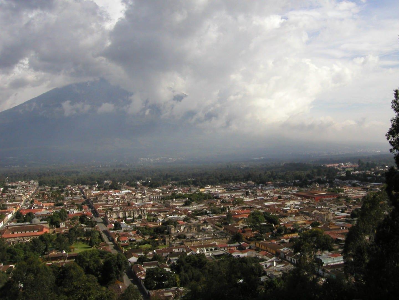 Vista de Antigua desde el Cerro de la Cruz Antigua Guatemala Guatemala