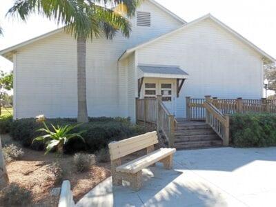Vista de la entrada del Museo de la Sociedad de Historia Negra de Fort Myers. Fort Myers Estados Unidos