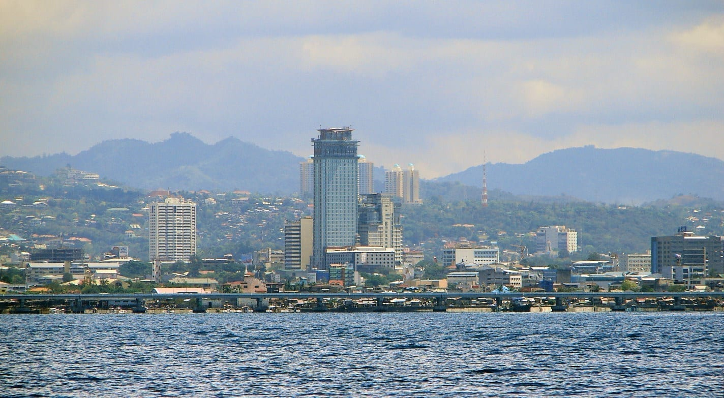 Vista desde el agua Cebu Filipinas