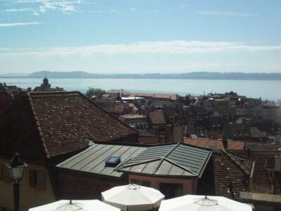 Vista desde la colina del castillo Neuchâtel Suiza