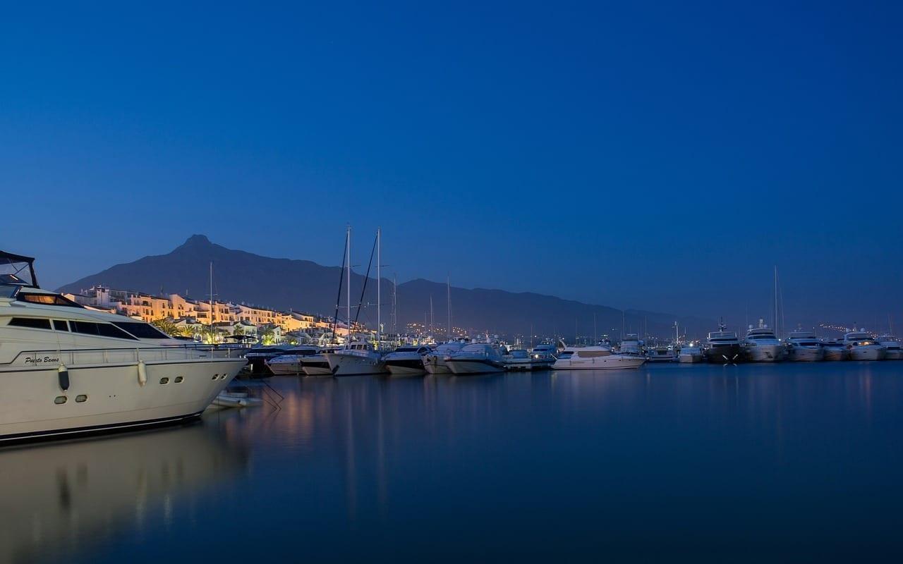 Yates Puerto Marbella España