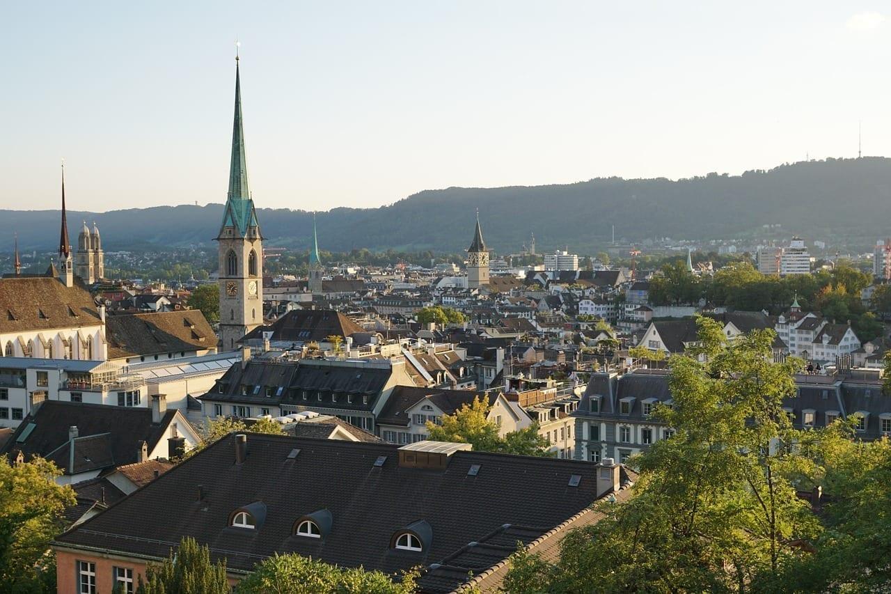 Zurich Centro Historico Iglesias Suiza