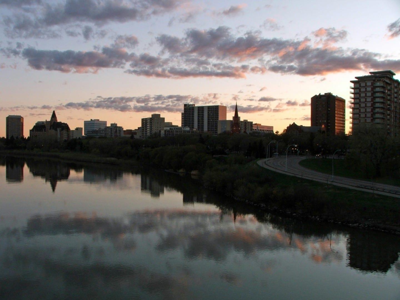 a la derecha Saskatoon Canadá