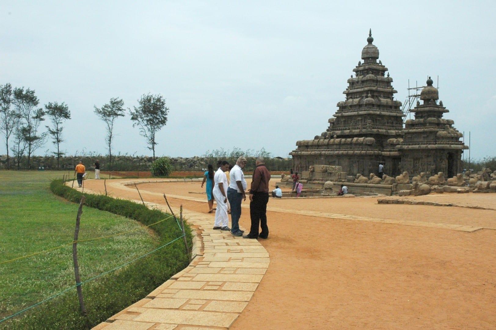 Acercándose al Templo de la Orilla Mamallapuram-Mahabalipuram India