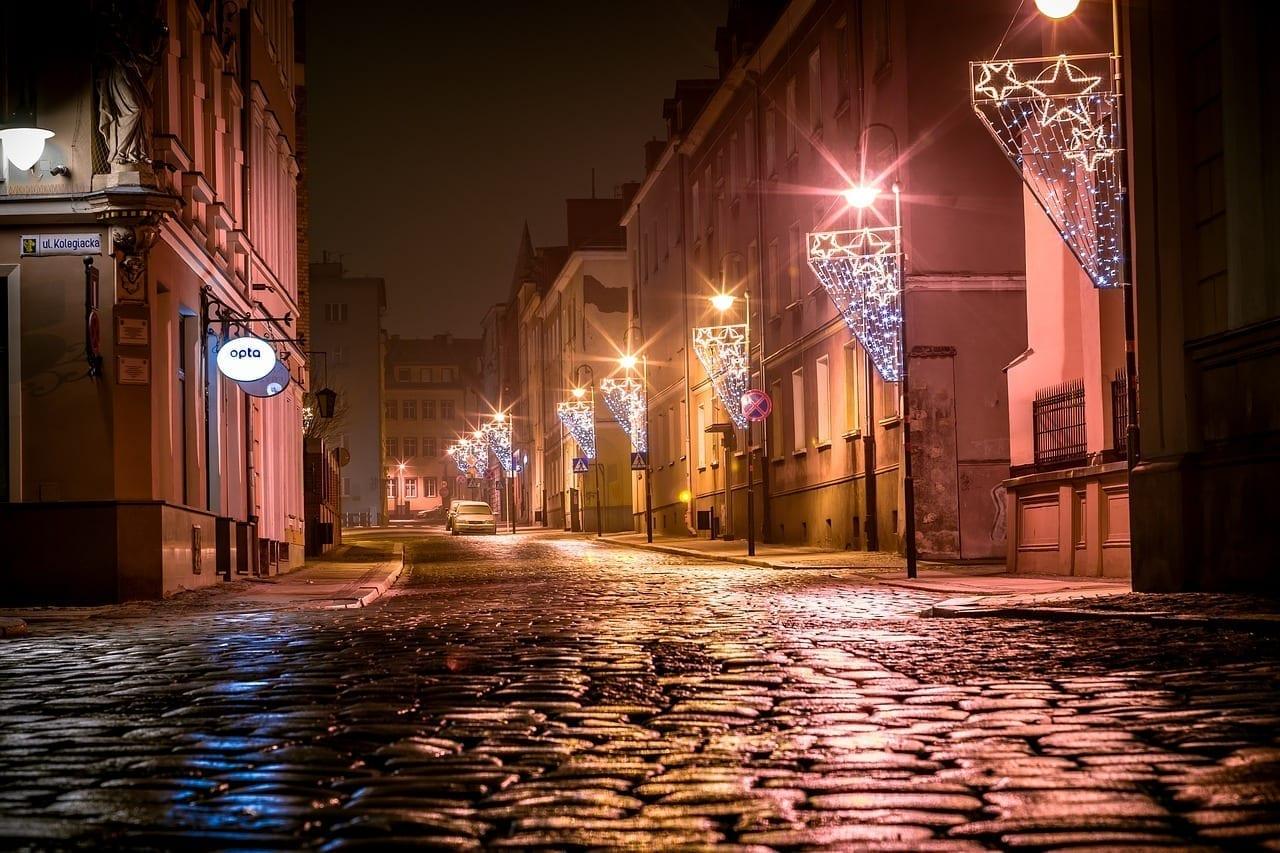 Adoquines De La Calle Iluminaciones De Navidad Opole Polonia