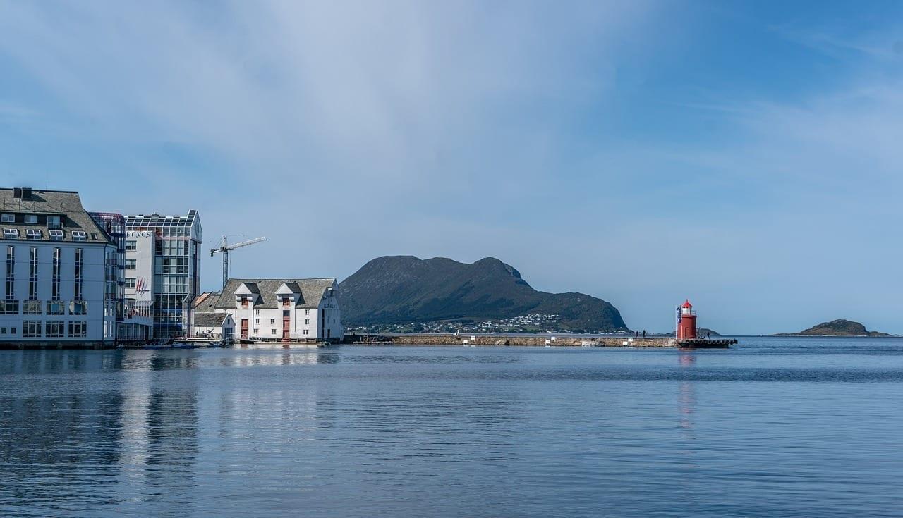Alesund Noruega Faro Noruega