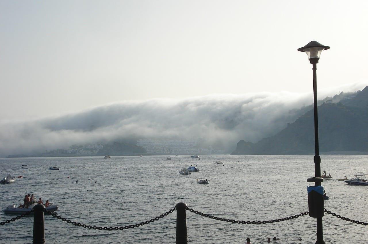 Almuñécar Niebla Lago España
