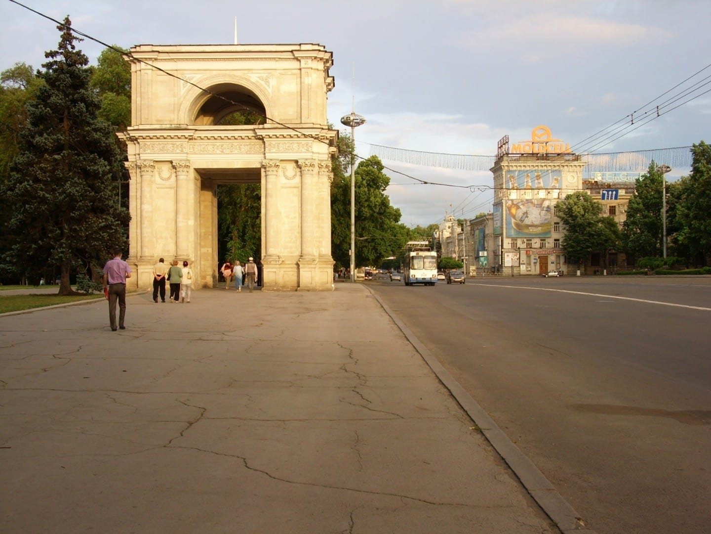 Arco de triunfo Chisinau Moldavia