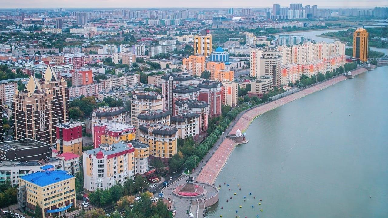 Astana Kazajstán La Orilla Izquierda Kazajistán