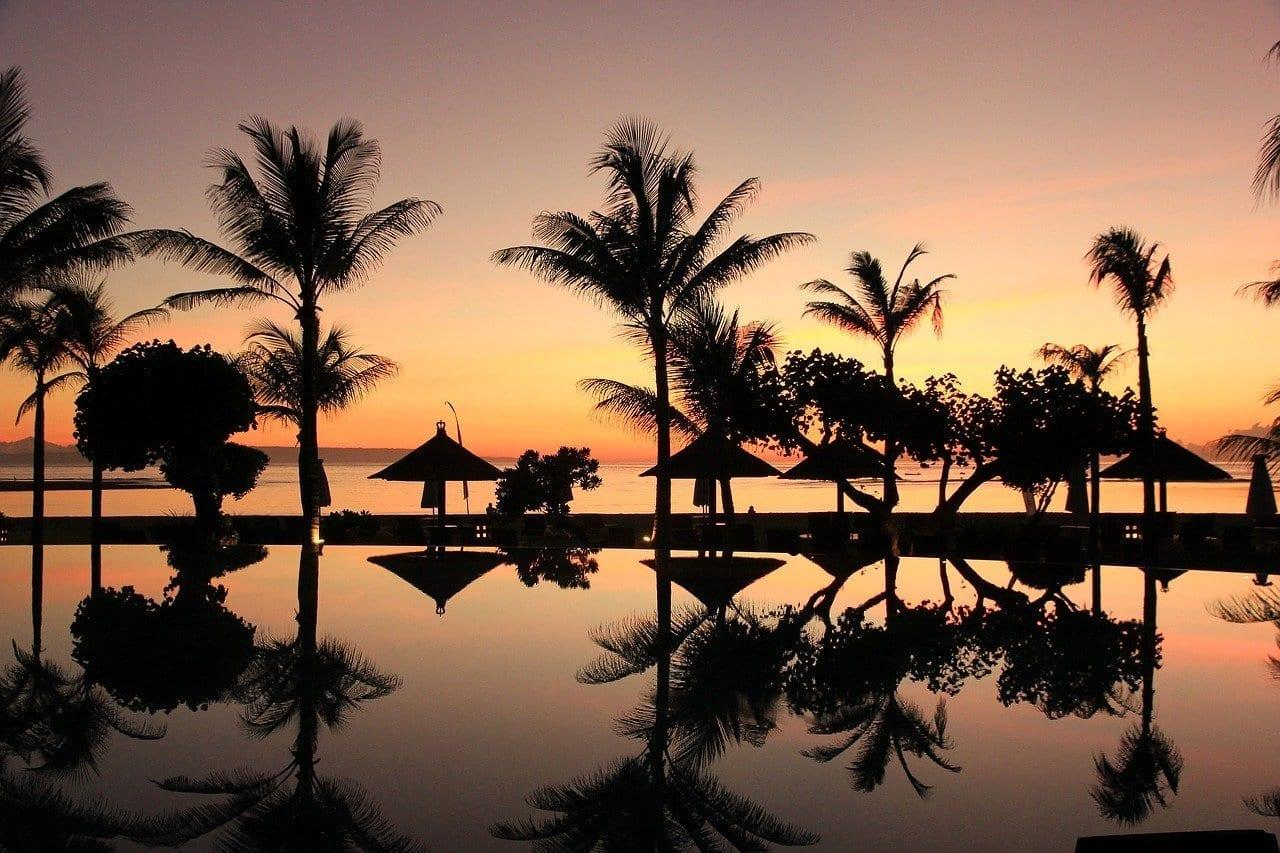 Bali Palmeras Puesta De Sol Indonesia
