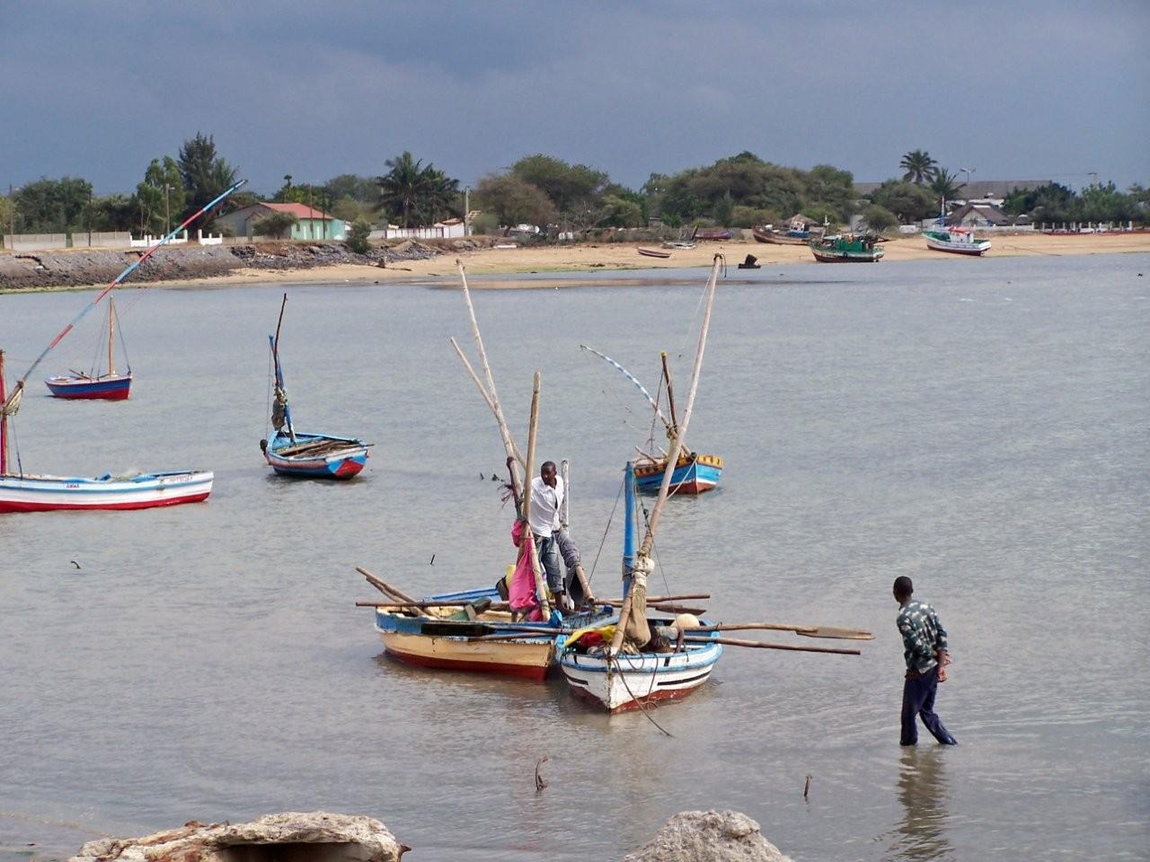 Barcos de pesca en Catembe Maputo Mozambique