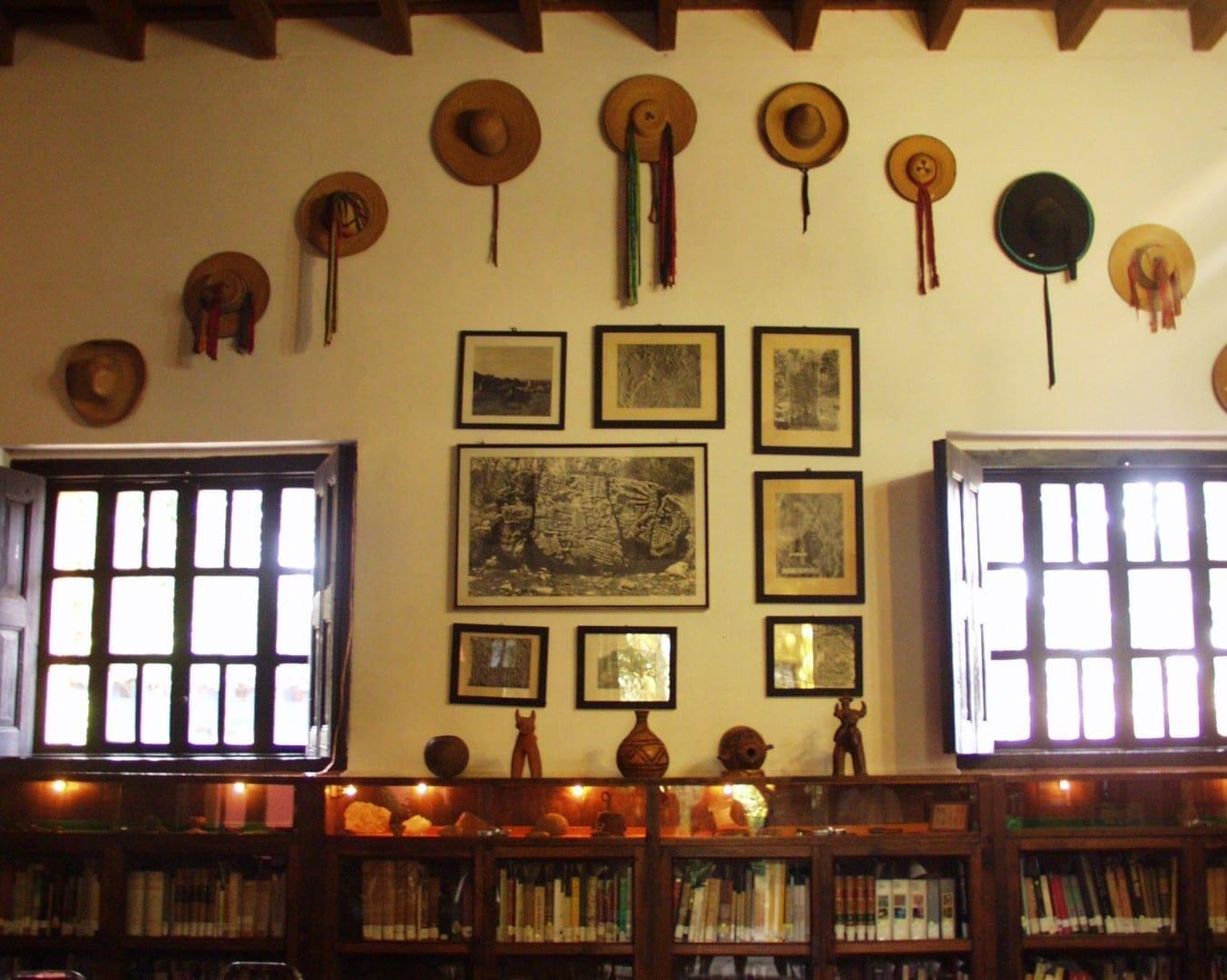 Biblioteca de investigación del Museo Na Bolom San Cristobal de las casas México