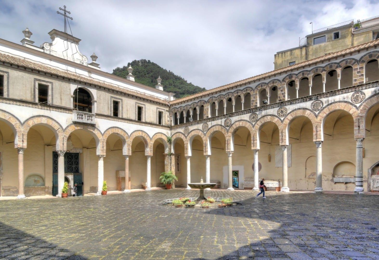 Claustro del Duomo Salerno Italia