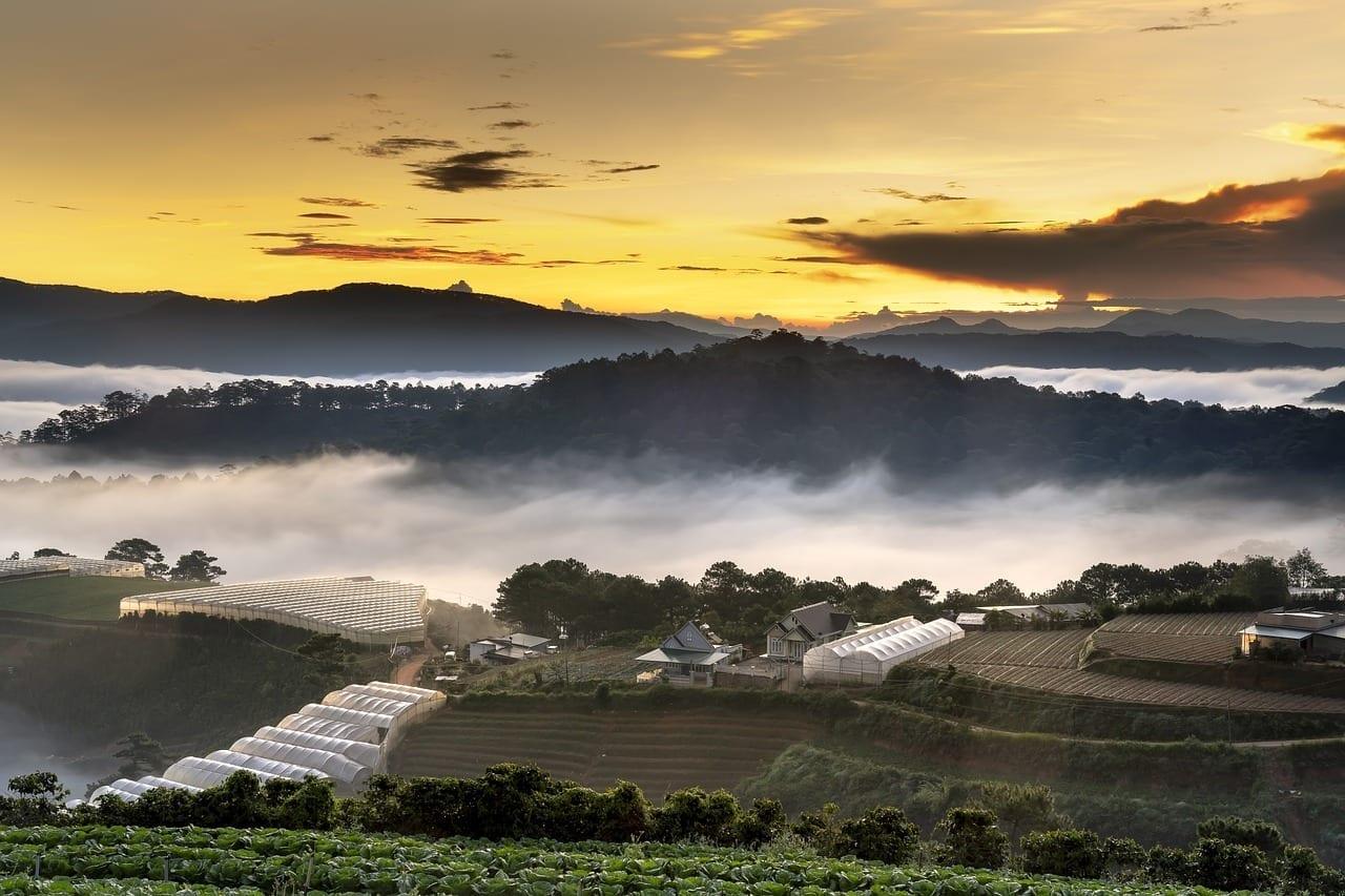 Dalat Agradable Nubes Vietnam