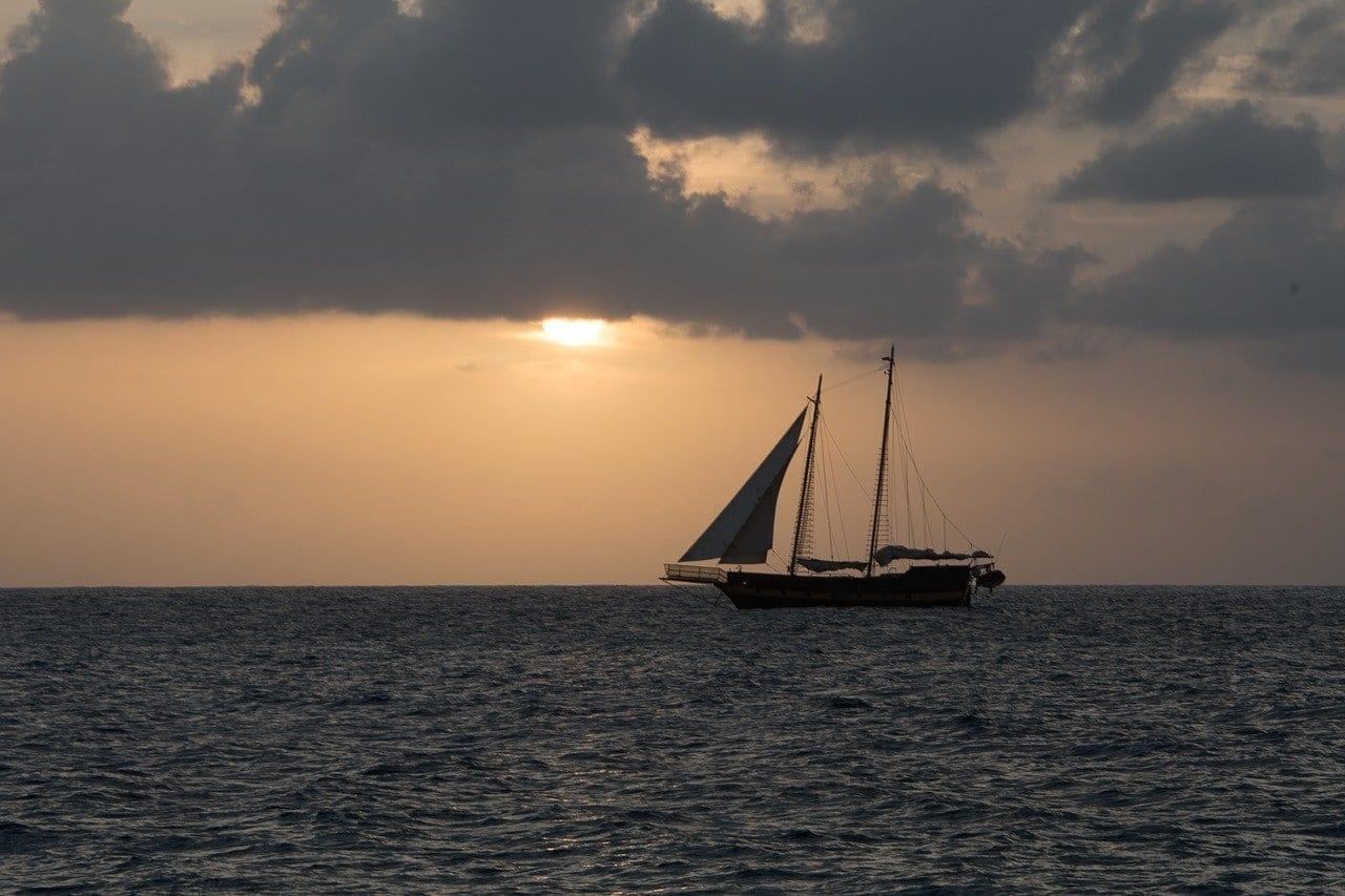 De Las Islas Caimán Puesta De Sol Mar Islas Caimán