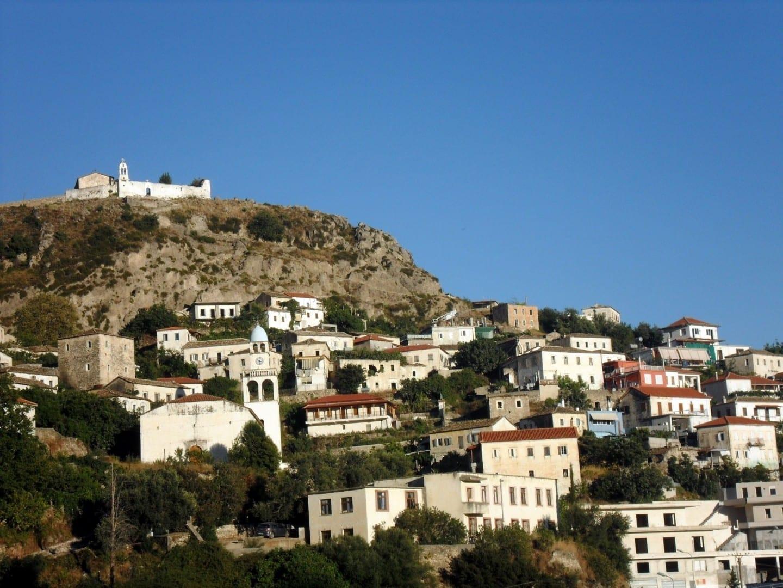 Dhermi una joya de la Riviera albanesa Sarande Albania