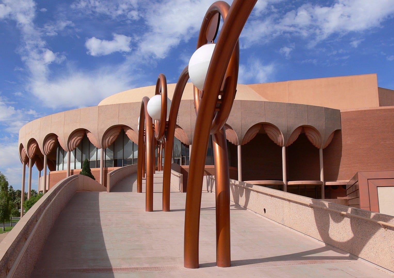 El Auditorio Gammage de ASU, diseñado por Frank Lloyd Wright Tempe AZ Estados Unidos