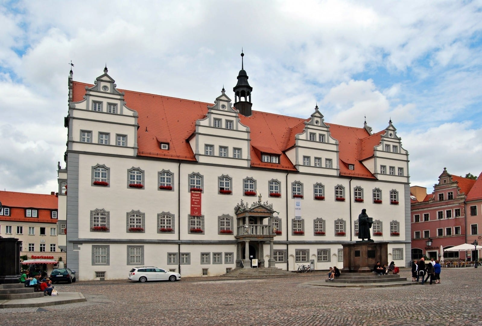 El ayuntamiento de Wittenberg en la plaza del mercado Wittenberg Alemania