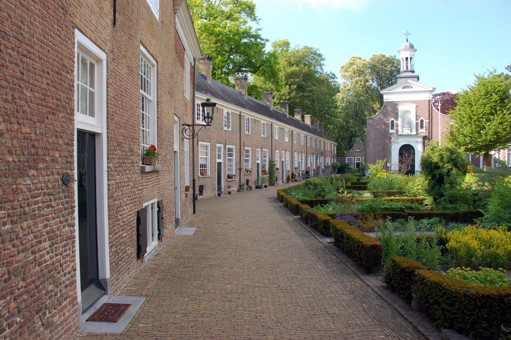 El Begijnhof es un lugar tranquilo, como lo era hace 100 años. Breda Países Bajos