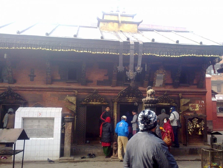 El complejo del templo de Bangalamukhi Patan Nepal