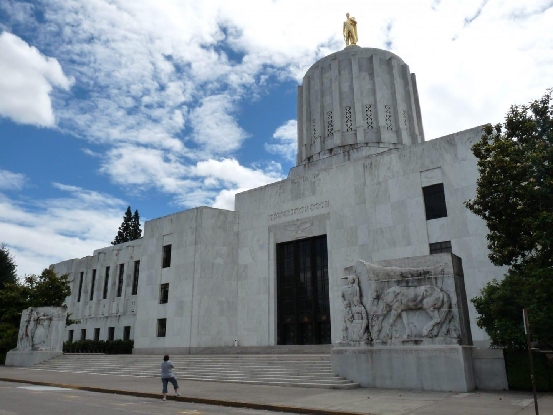 El edificio del Capitolio del Estado de Oregón Salem OR Estados Unidos