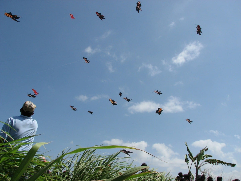 El festival anual de cometas en Padang Galak, Sanur Sanur, Bali Indonesia