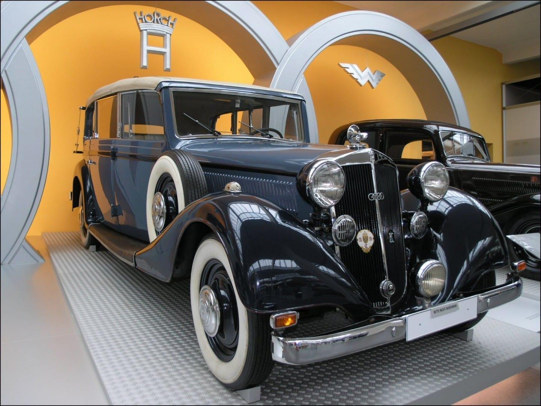 El Horch 830 BL en exhibición en el August-Horch-Museum Zwickau Alemania