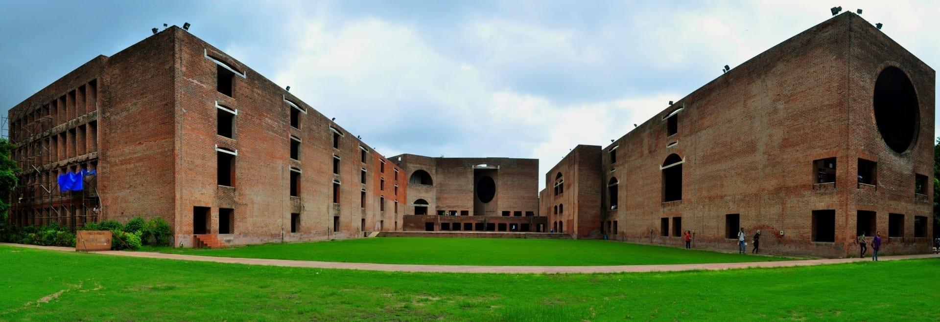 El Instituto Indio de Gestión (IIM) en Vastrapur, Ahmedabad Ahmedabad India