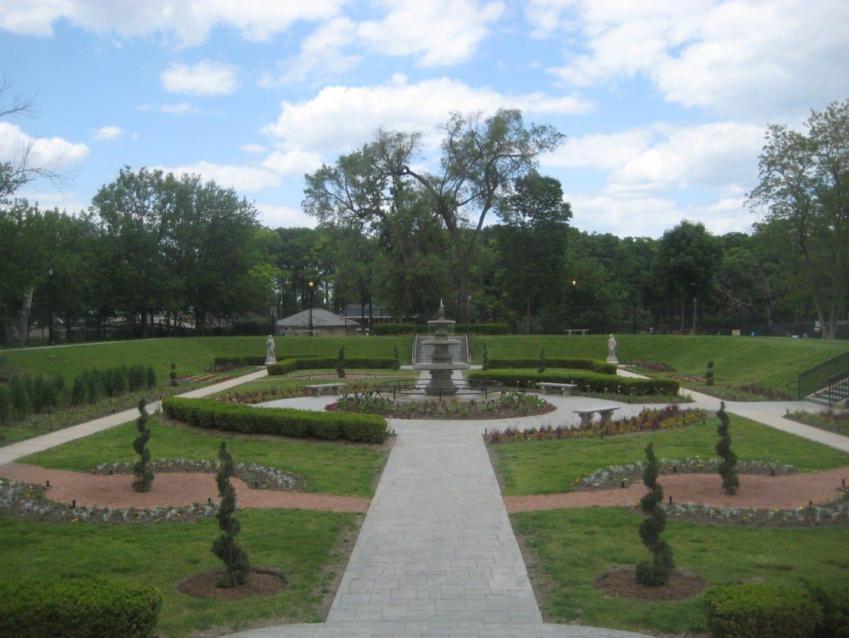 El Jardín Hundido en Phillips Park Aurora IL Estados Unidos