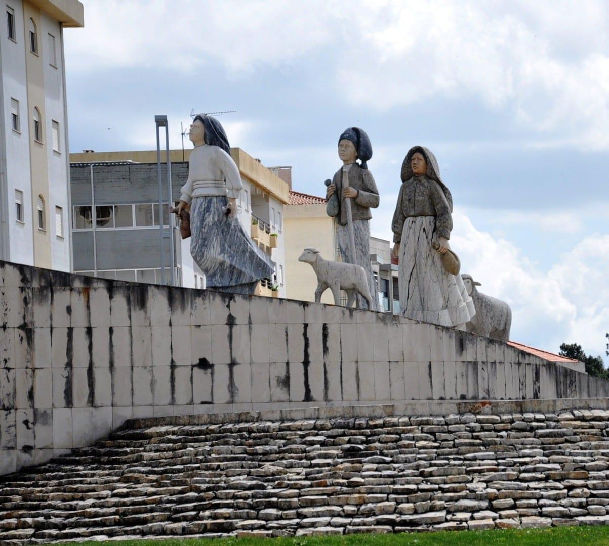 El monumento a los Tres Pastorcitos Fátima Portugal
