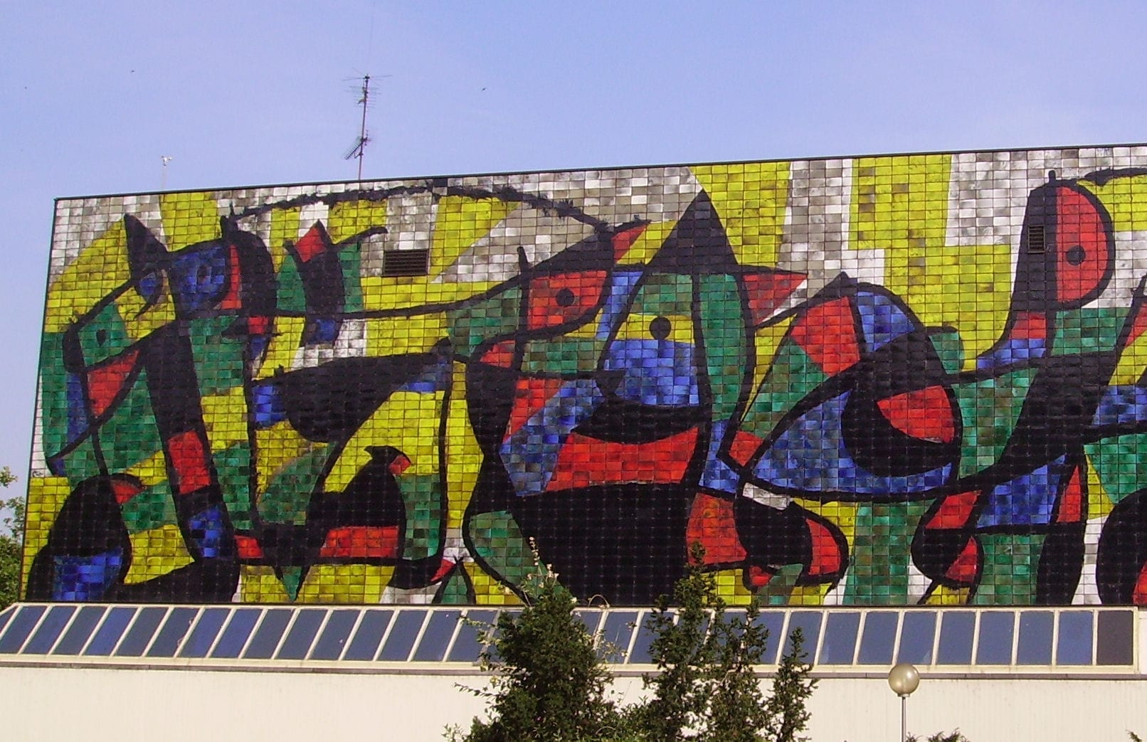El mural de Miró, conocido como la Varita Miró, en el Museo Wilhelm-Hack. Ludwigshafen am Rhein Alemania
