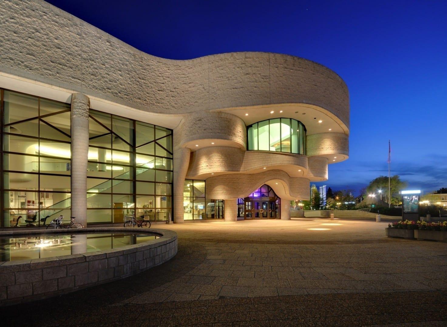 El Museo Canadiense de Historia (antes conocido como Museo Canadiense de la Civilización) en Hull Gatineau Canadá