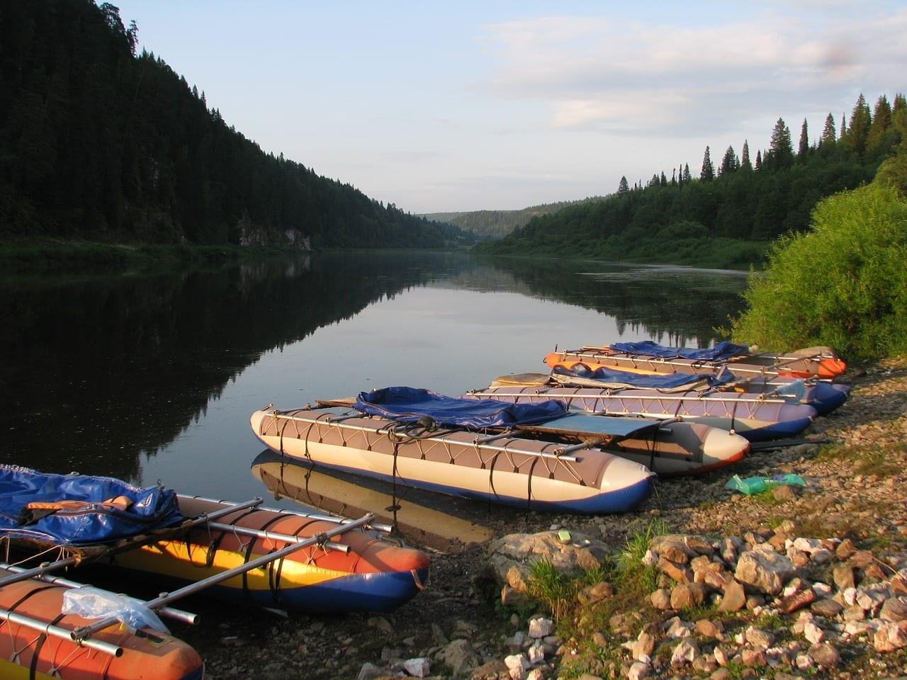 El Río чусовая Krai De Perm Verano Rusia